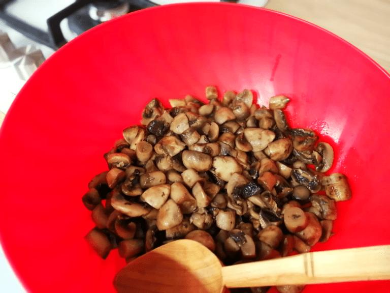 1 - ciulama de pui cu ciuperci si smantana