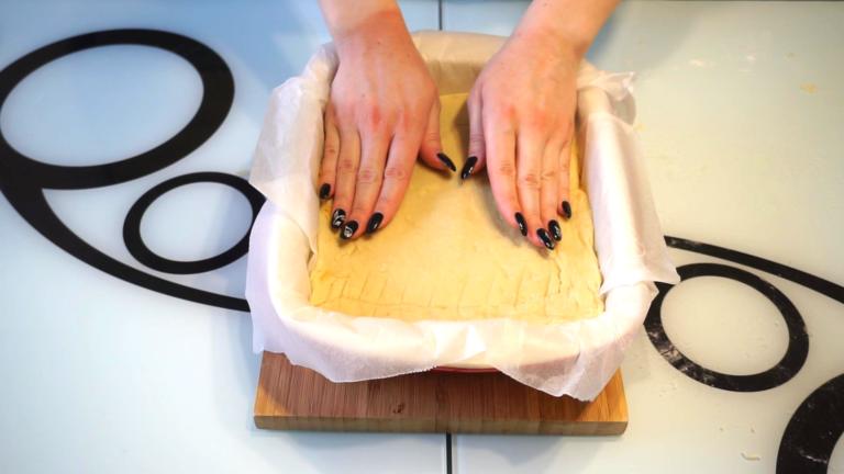 4 - Prăjitură de Post cu Mere