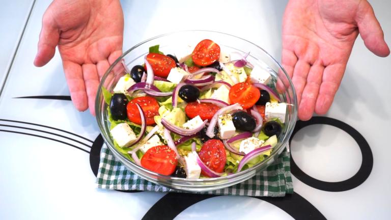 2 - Salată Grecească de Vară